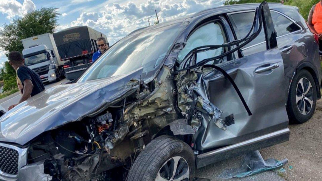 Prefeito de Jacobina sofre acidente na BR 324