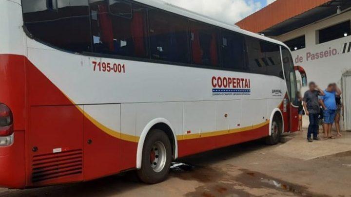Ônibus que fazia linha de Itaberaba a São Paulo tem motorista apreendido em Minas Gerais por transporte clandestino de passageiros